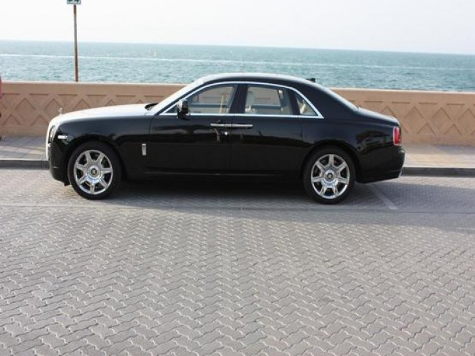 car with driver in abu dhabi